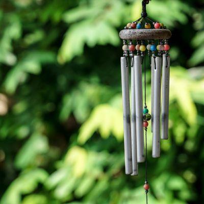 a beautiful metal 6-rod wind chime