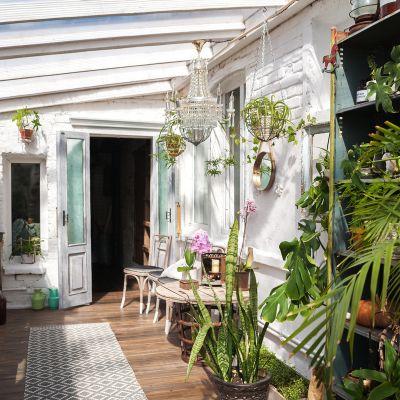 Small Terrace Decoration