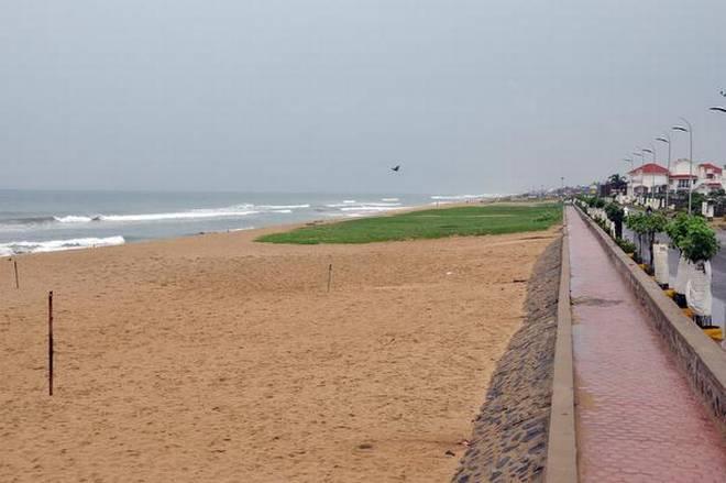 view of the Thiruvanmiyur beach in Kottivakkam